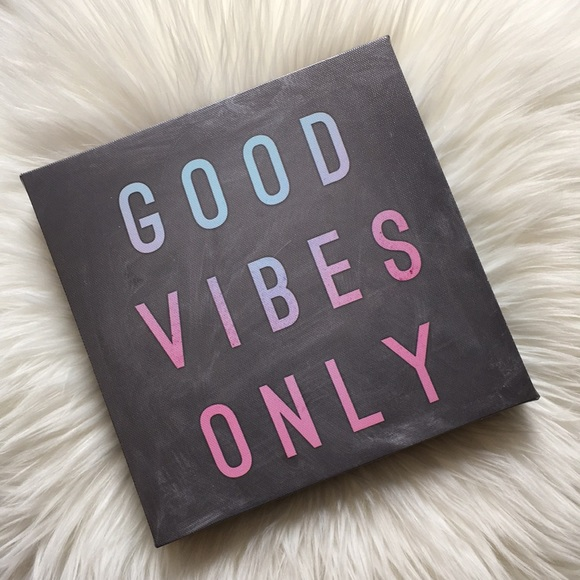 """Other - """"Good Vibes Only"""" Wall Decor"""
